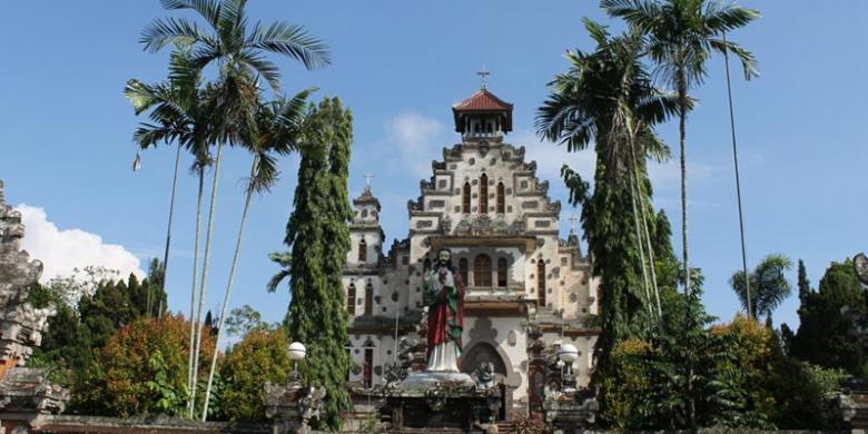 Mengenal Akulturasi Budaya Di Gereja Palasari Kompas Com