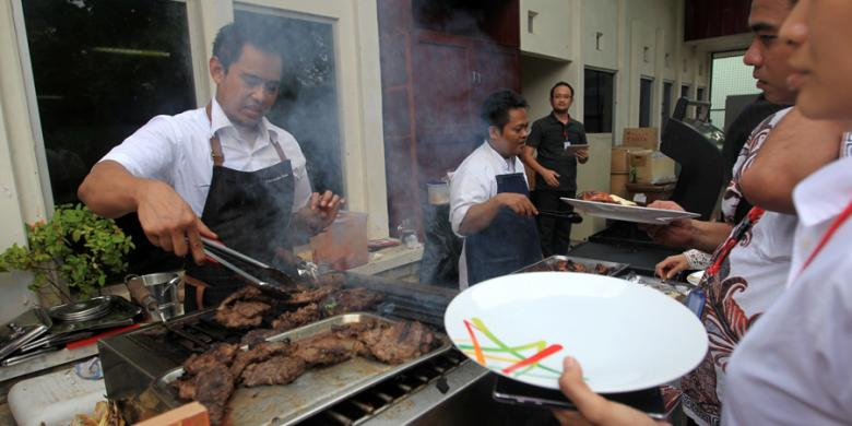 Image result for chef barbeque daging