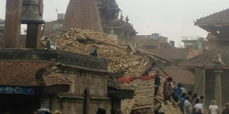Foto gempa di nepal 8