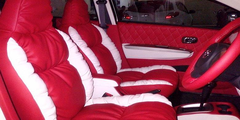 Hasil gambar untuk interior mobil jok sofa