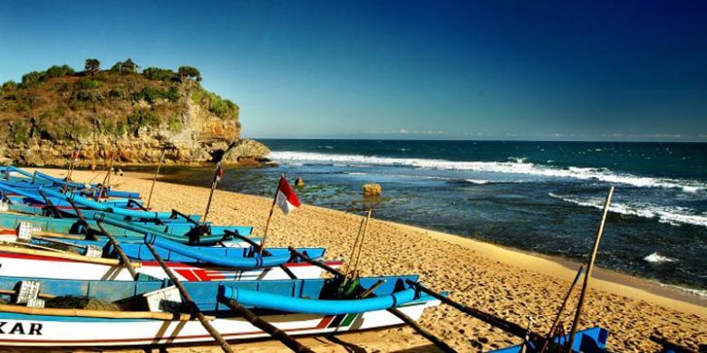 5 Pantai Yang Wajib Dikunjungi Di Yogyakarta Halaman All Kompas Com