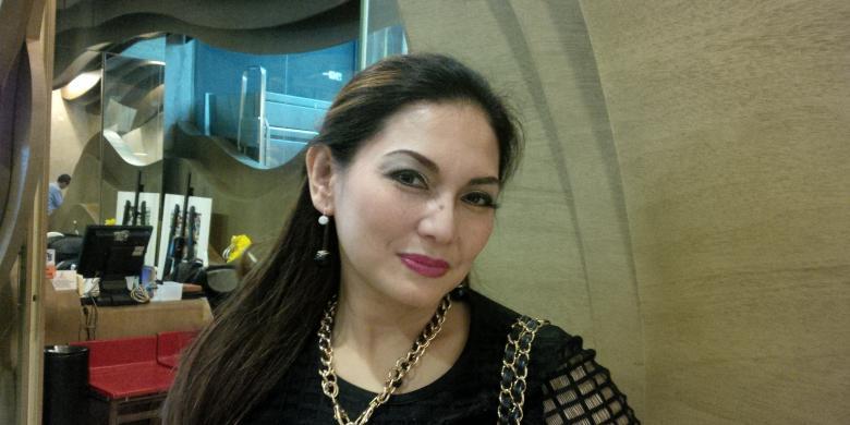 Hasil gambar untuk Nia Daniaty