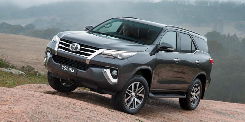 Hasil gambar untuk Toyota All New Fortuner yang bermesin Diesel 2,4 liter