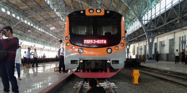 Mungkinkah Krl Commuter Line Beroperasi 24 Jam