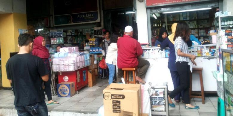 Berburu Obat Dan Alat Kesehatan Murah Di Pasar Pramuka Kompascom