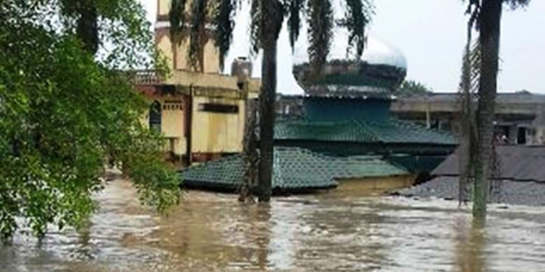 Foto Medan Diterjang Banjir Warga Diimbau Mengungsi