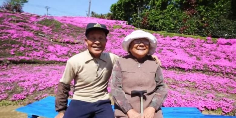 kisah suami yang menanam ribuan bunga agar dapat dicium istrinya