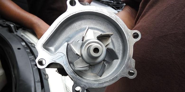 Hasil gambar untuk water pump mobil