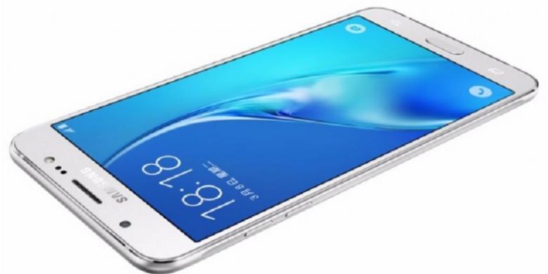 PhoneArena Galaxy J7 2016