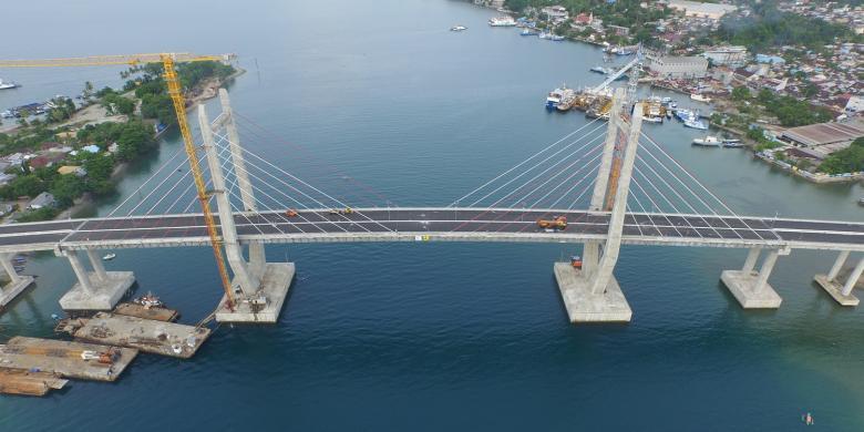 Jembatan Merah Putih Berdiri Megah Melintasi Kota Ambon Kompas Com