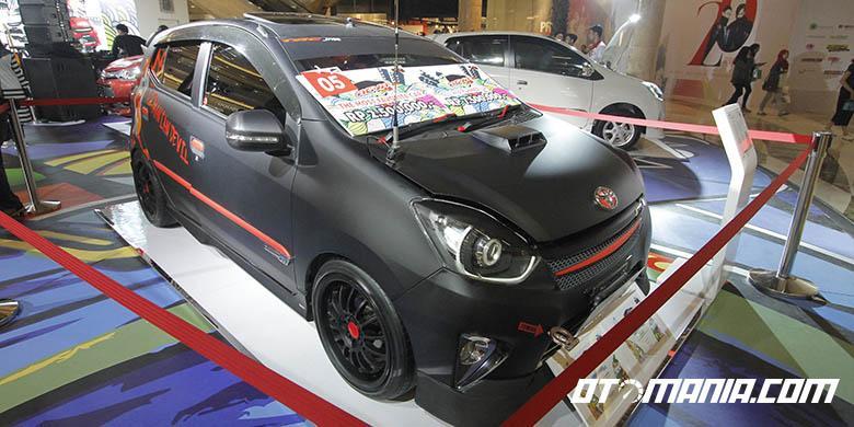 Toyota Agya Black Furious