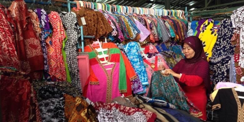Berburu Produk Batik Mulai Harga Rp 22.000 di Pasar Klewer Solo ... 98fb55ceef