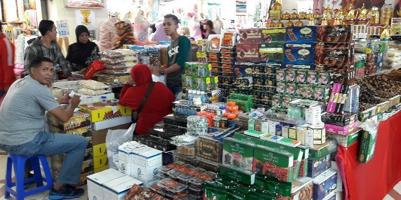 Belanja Oleh-oleh Haji di Tanah Abang 42091969d2