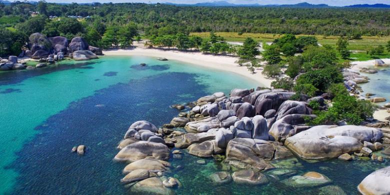 Pantai Tanjung Tinggi, Destinasi Wisata Favorit di Belitung Halaman all -  Kompas.com