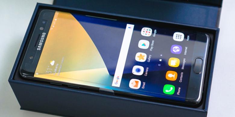 Smartphone Ini Akan Langsung Menyambut Begitu Kotak Dibuka Tentu Dengan Keadaan Masih Dimatikan