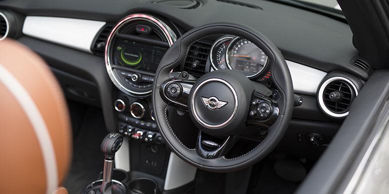 Mini Cooper Interior >> Interior Mini Cooper S Cabrio Lebih Premium
