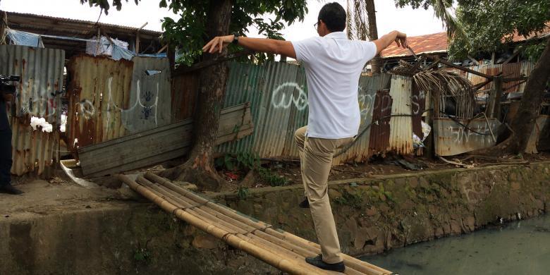 Kisah Sandiaga Uno Lakoni Jurus Bangau Depan Mural Kelamin