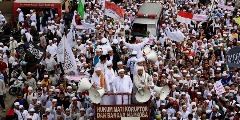 Rizieq Shihab Pimpin Demo Fpi Ke Mabes Polri Kompas Com