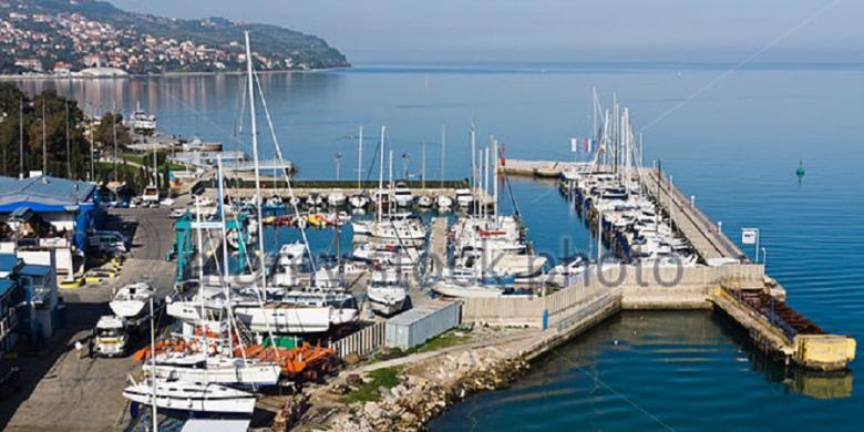 Hasil gambar untuk pelabuhan