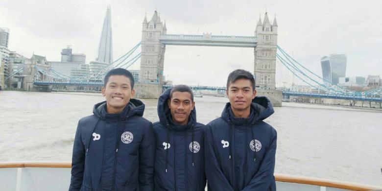 Dua Pemain Sepak Bola Asal Purwakarta Ikut Berlatih di Inggris