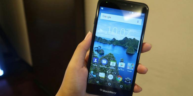 Blackberry Aurora Diproduksi 100 000 Unit Per Bulan Di Bekasi