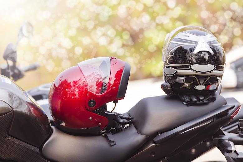 Tips Merawat Helm agar Tetap Kece walaupun Sering Dipakai Saat Hujan