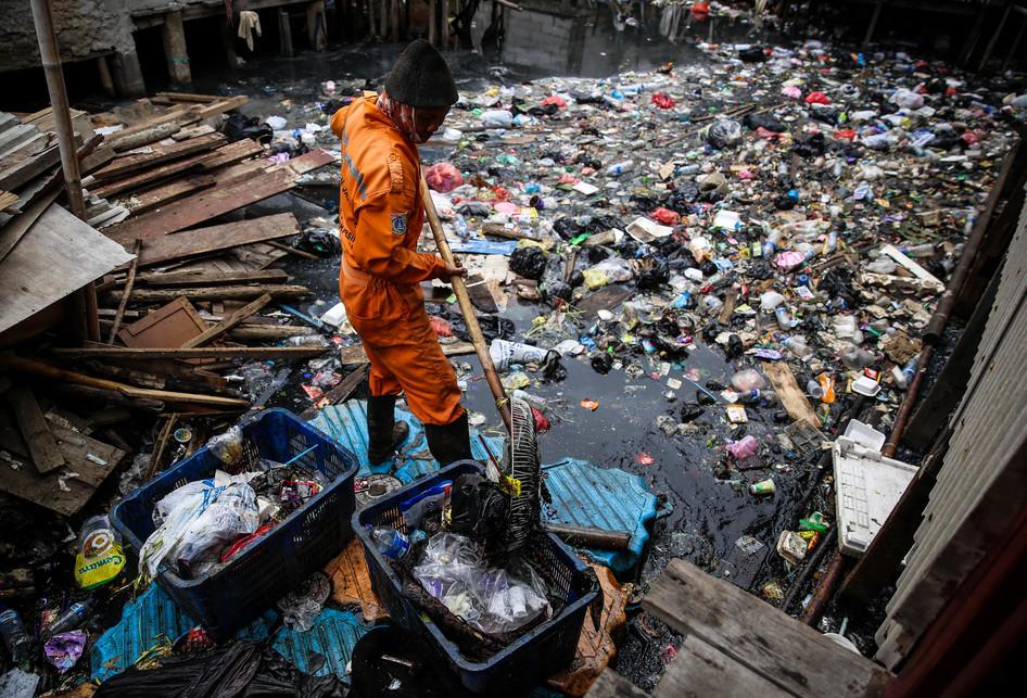 Sampah di Kali Gendong Penjaringan Jakarta Utara