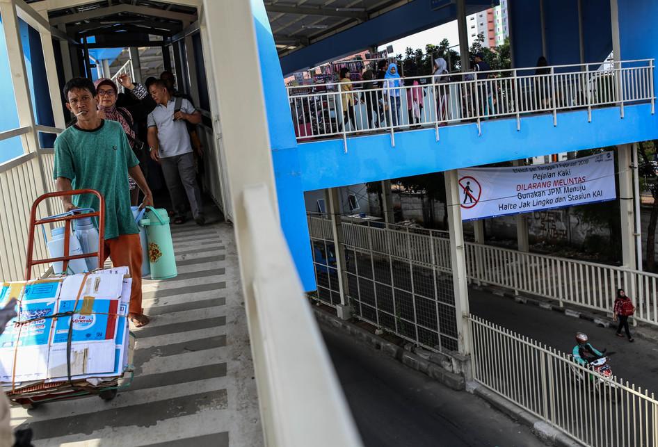 Larangan Pejalan Kaki di Jalan Jatibaru Raya