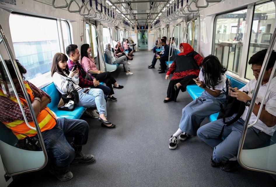 uji coba kereta MRT fase 1 lintas Lebak Bulus-Bundaran Hotel Ind