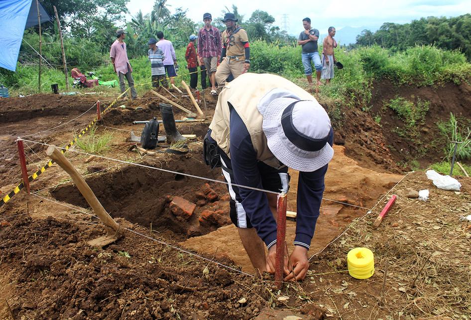 Ekskavasi Situs Purbakala di Tol Pandaan-Malang
