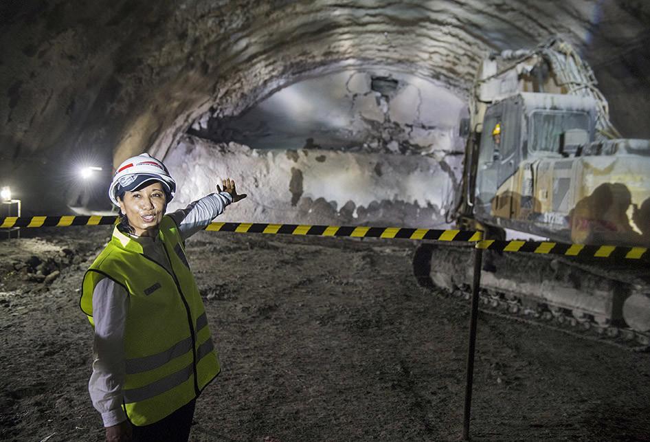 Terowongan Walini Tembus Bukit