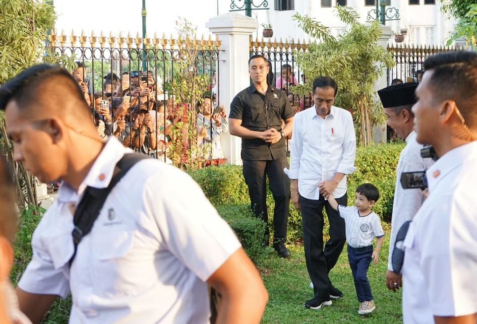 Jan Ethes dan Presiden Jokowi