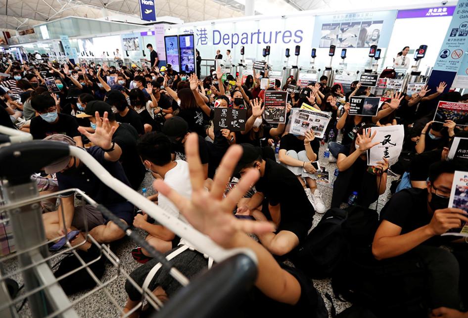 Demo Besar-besaran Tolak RUU Ekstradisi di Hong Kong