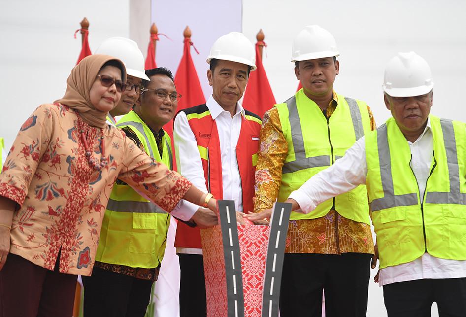 PRESIDEN RESMIKAN TOL LAYANG JAKARTA-CIKAMPEK