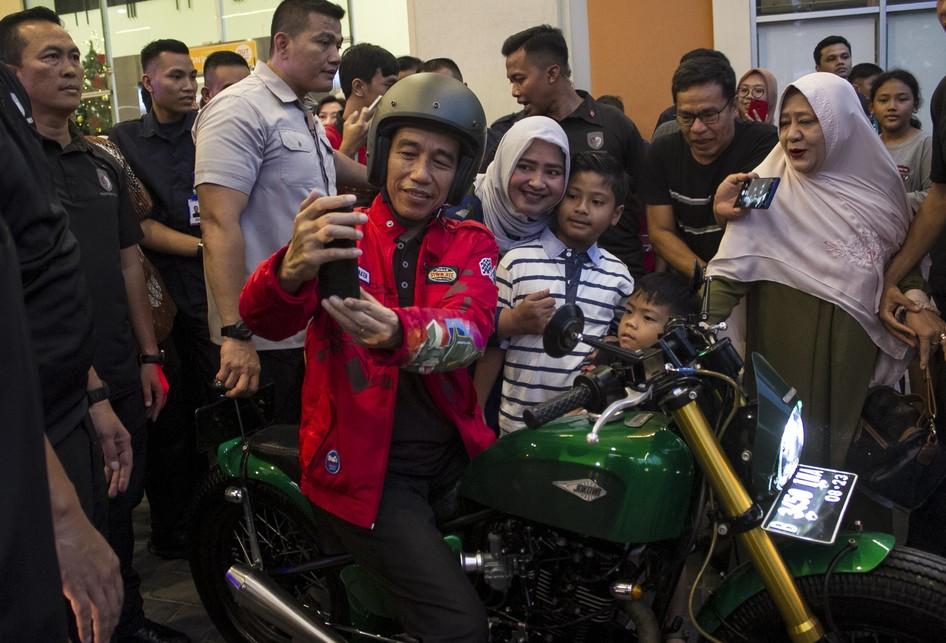 Jokowi ke Botani Square