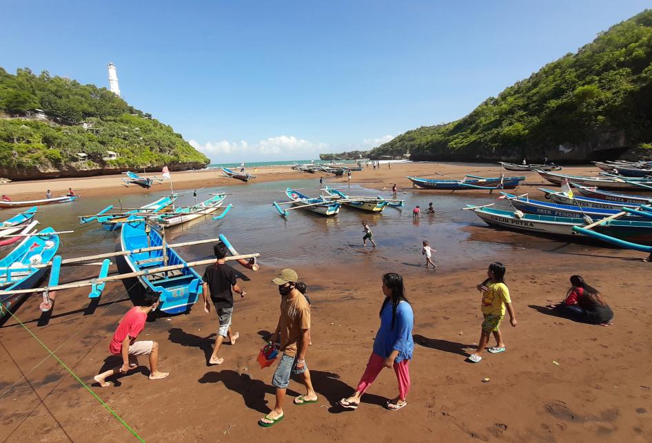 Uji Coba New Normal Di Wisata Pantai Baron Dan Pantai Kukup