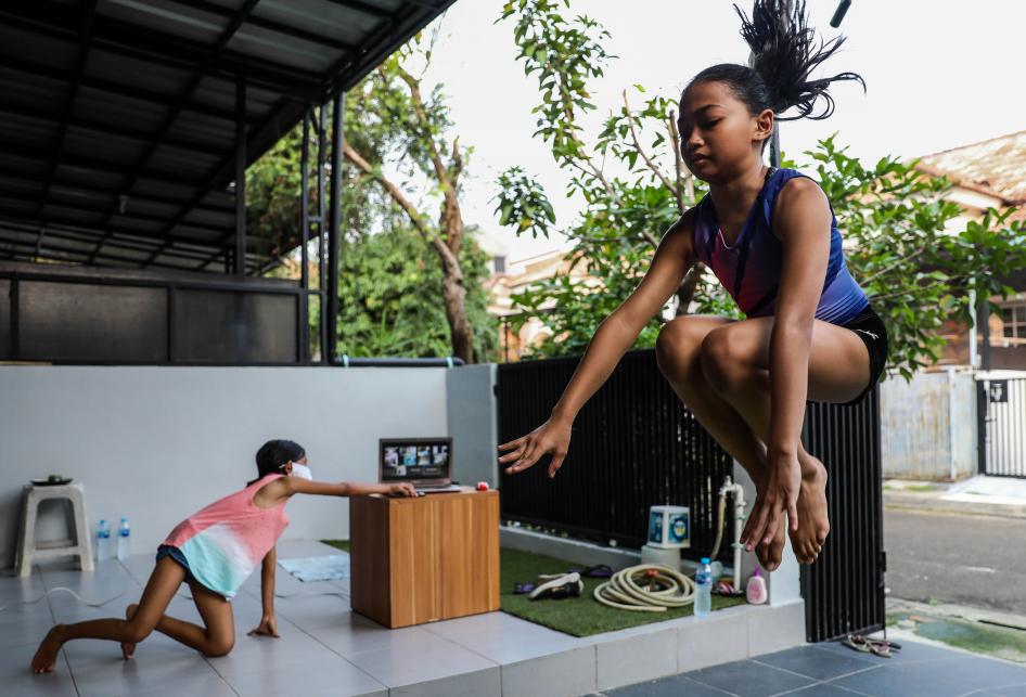 Averyl Baline Mattahati Latihan Senam Melalui Daring