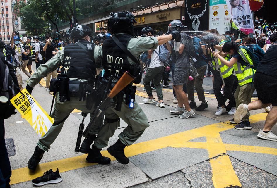 Unjuk Rasa Tentang UU Keamanan di Hong Kong Ricuh