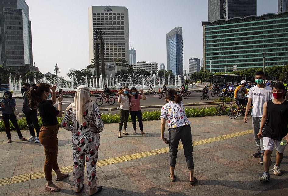 BEROLAHRAGA JELANG PSBB TOTAL JAKARTA