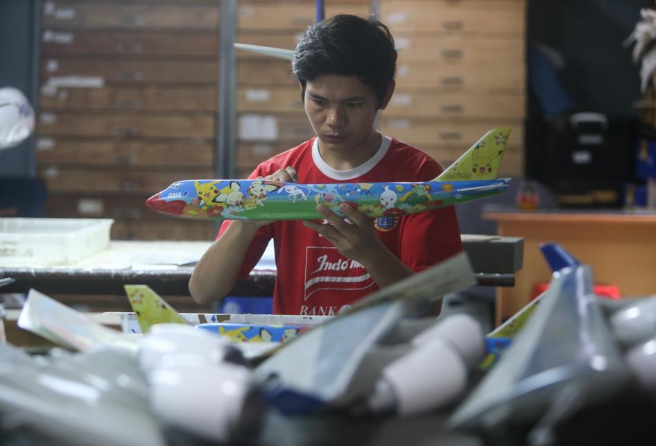 Miniatur Pesawat Buatan Indonesia Mendunia