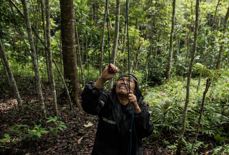 Upaya Tini Kasmawati Menyelamatkan Owa Jawa