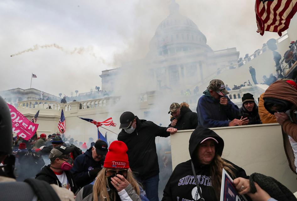 Penyerbuan Capitol Hill oleh Pendukung Trump
