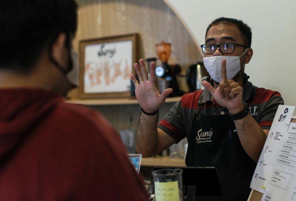 Kafe Sunyi Memuliakan Kaum Disabilitas