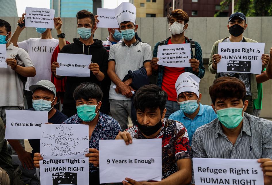 Pengungsi Afganistan, Irak dan Pakistan Demo di Depan Kedubes Au