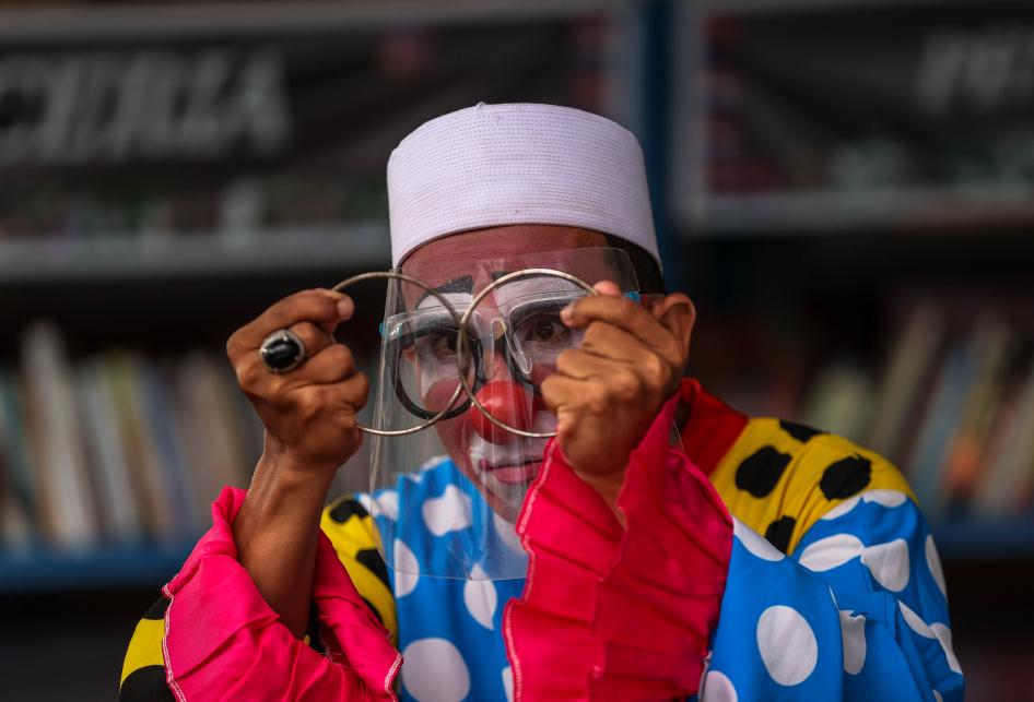 Yahya Edward Hendrawan, Guru Ngaji Berkostum Badut yang Mengajar