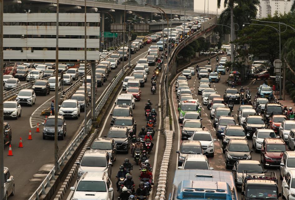 Hari Pertama Kerja Lalu Lintas Jakarta Padat