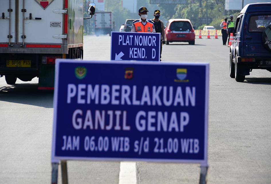 Penerapan Ganjil Genap di Gerbang Tol Pasteur Bandung