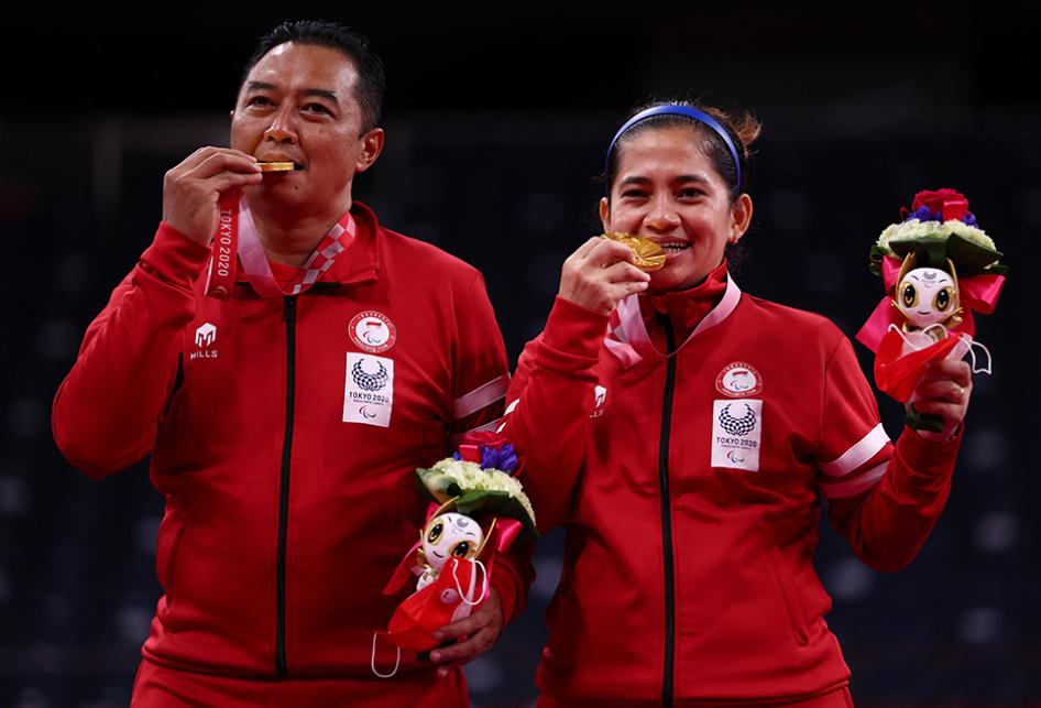 Hary/Leani Rebut Emas Ganda Campuran Badminton Paralimpiade Toky