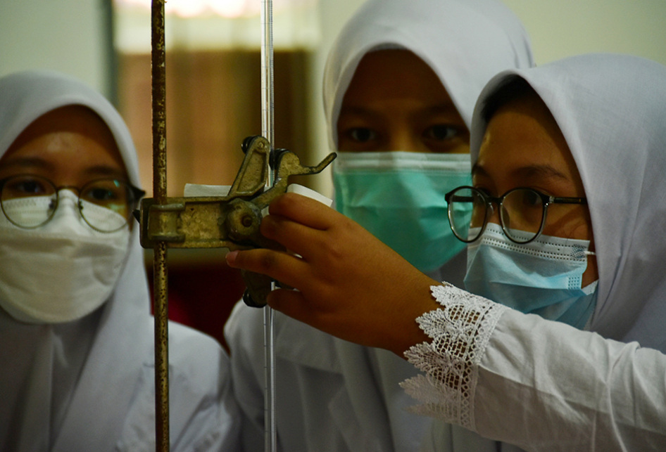 Siswa Sekolah di Bandung Mulai Lakukan PTM