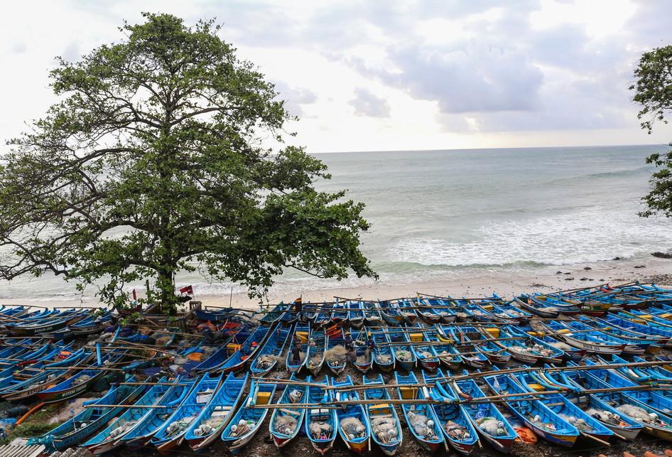 Wisata Pantai Menganti Kabupaten Kebumen Jawa Tengah Nelayan